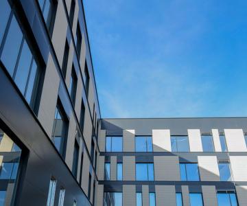 Cladirea ce gazduieste spitalul Polaris Medical este ultra-moderna, pregatita celor mai exigente standarde.